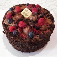 Batul Čokoládový dort s lesním ovocem - Belgické pralinky Leonidas